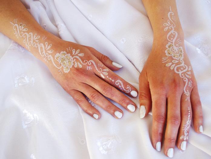 Tatouages paillettes limoges - Tatouage blanc sur peau noir ...
